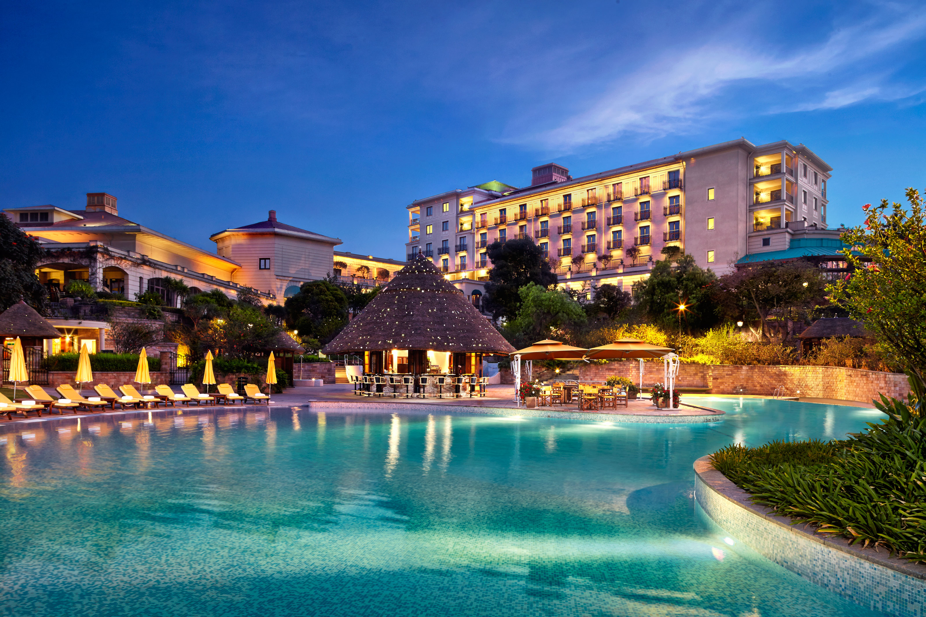 A picture of the Sheraton Hotel, luxury travel in Ethiopia